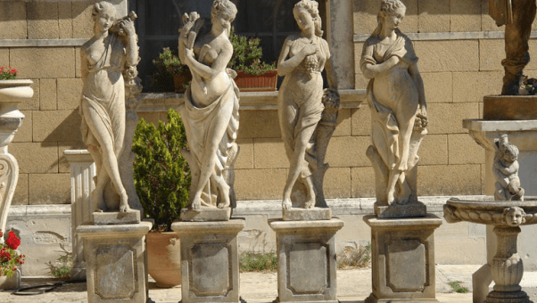 How To Choose The Right Pedestal For Your Sculptor